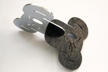 125 - Símio VI - Beija Símio - Aço cromado e aço bruto e verniz - 46x38cm - 2014 vista 6361©
