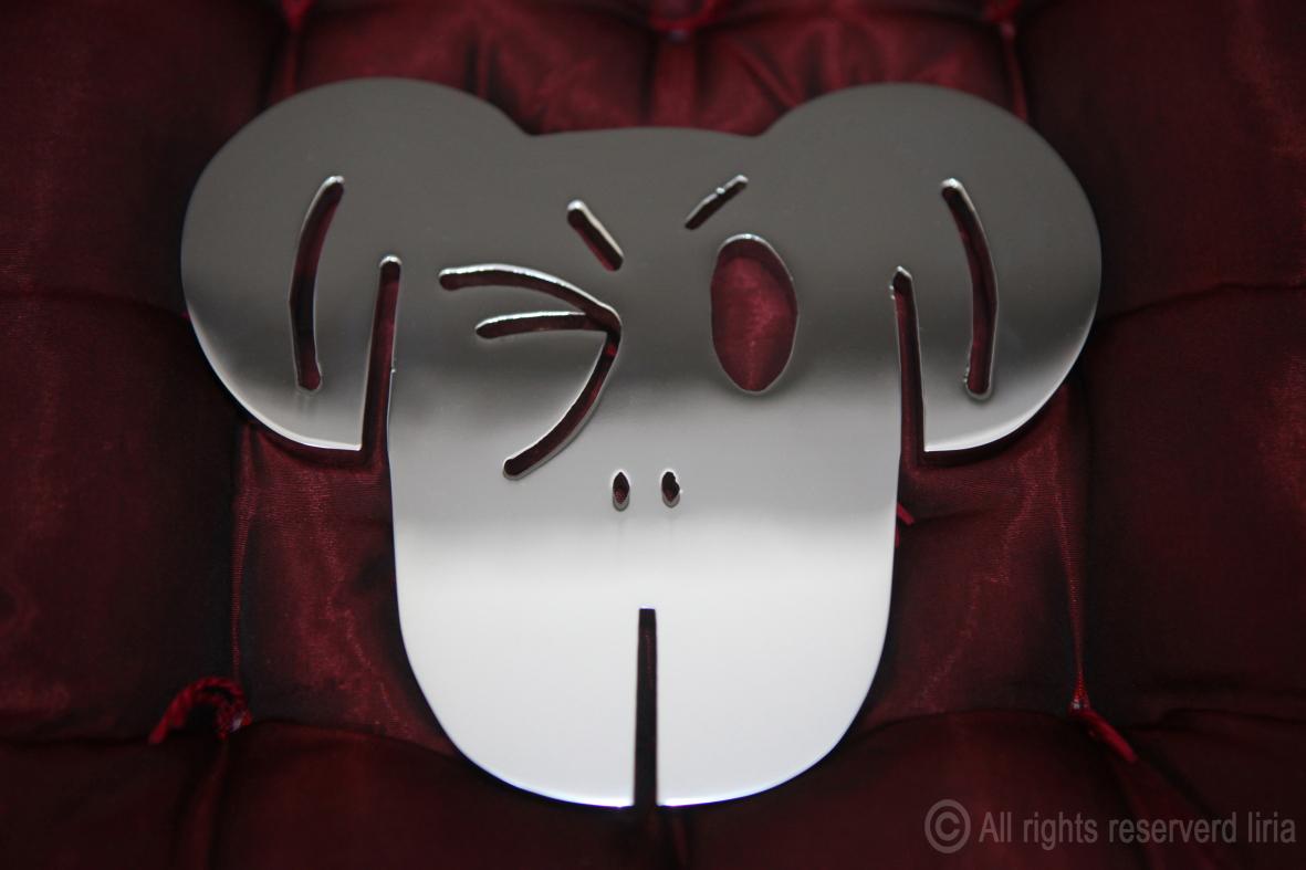 Macaco Espelho - Escultura em aço cromado - 150 x 180 x 8mm - 2014
