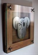 Simio II - Escultura em aço escovado madeira e vidro - 29x29cm - 2014